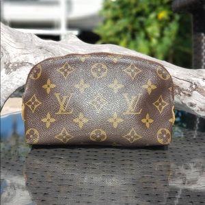 Louis Vuitton Cosmetic GM Monogram Clutch